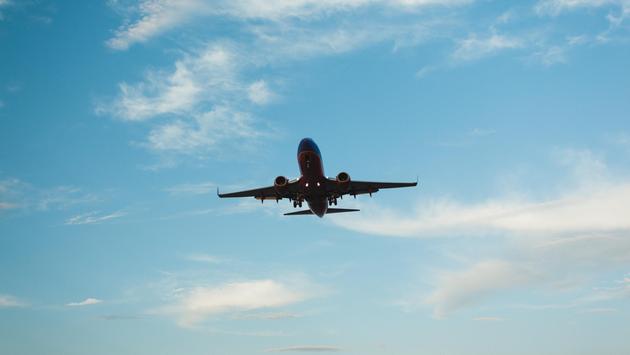 A plane landing at Phoenix Sky Harbor International Airport