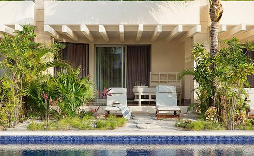 Beloved Playa Mujeres: Swim Up Suite with Private Garden