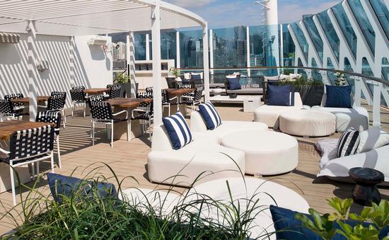 The Retreat sun deck, Celebrity Summit