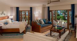 1 Free Night: Tropical Beachfront Three-Bedroom Walkout Grand Butler Family Suite