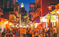 Nightlife on Bourbon Street in New Orleans