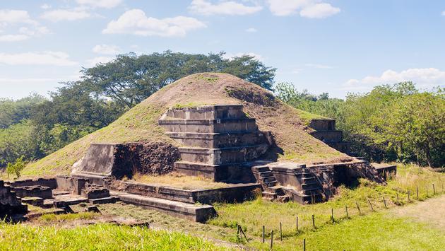 Ruins in La Libertad, El Salvador (Photo via benkrut / iStock / Getty Images Plus)