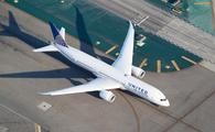 United Airlines Boeing 787 Dreamliner at LAX