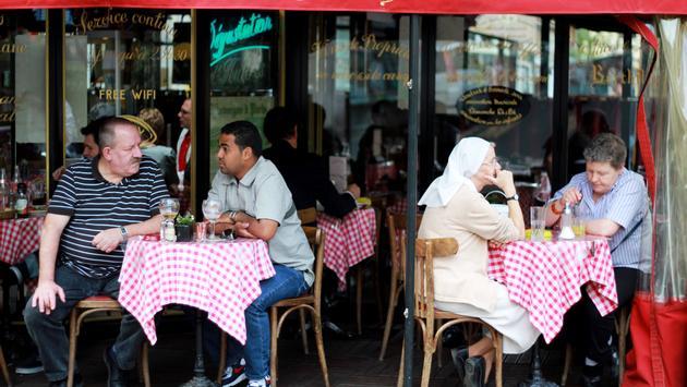 Crowded café terrace