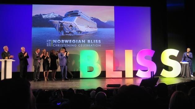 Elvis Duran christens Norwegian Bliss