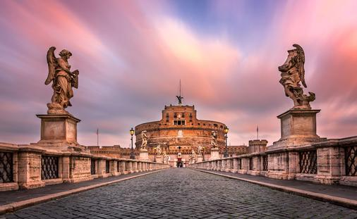 Last Minute Europe Travel Specials!