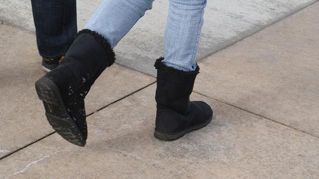 A Woman Was Denied Entry to a Qantas Lounge for Wearing Uggs