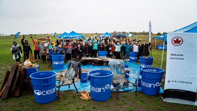 Projet de nettoyage communautaire d'Air Canada et 4ocean