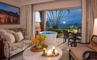 Emerald Beachfront Walkout Club Level Junior Suite w/ Patio Tranquility Soaking Tub