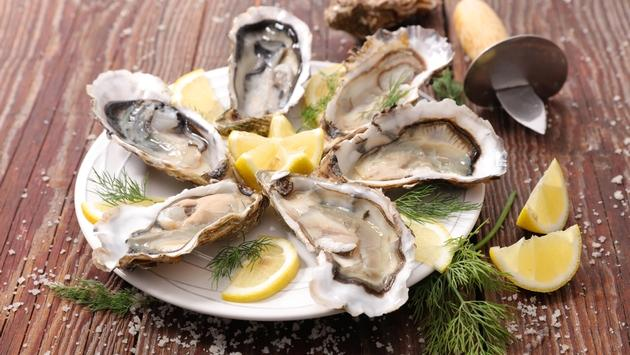 Chilled oyster platter.