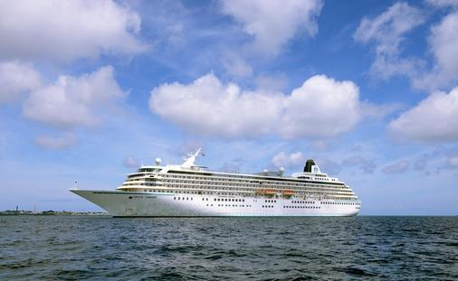 Cruise liner Crystal Symphony