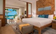 Beachfront Swim-up Super Luxe Butler Suite