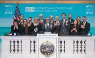 Frank Del Rio and the NCLH executive team gathered to ring the NYSE Opening Bell