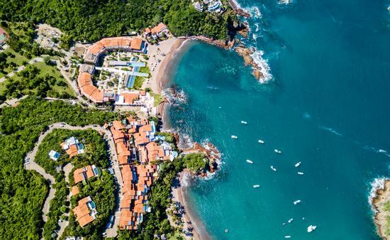 Vista aérea de Careyes en la costa de Jalisco. Foto de la Secretaría de Turismo de Jalisco)