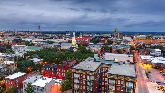 Downtown Savannah, Georgia at dusk