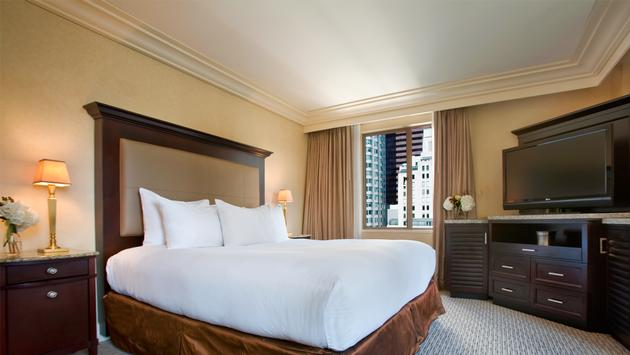 Hilton Checkers renovated guestroom.