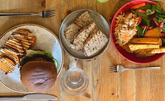 Contiki vegan food tour