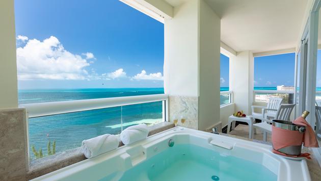 Sian Ka'an Suite terrace and jacuzzi