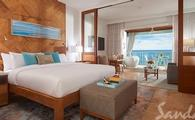 $605 Instant Credit + 1 Free Night: Beachfront Honeymoon One-Bedroom Butler Suite w/ Balcony Tranquility Soaking Tub