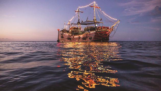 Grand Sens Cancun night party ocean cruise