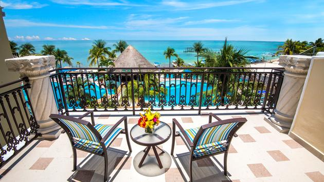 Family Junior Suite Oceanfront View room at Panama Jack Resorts Playa del Carmen