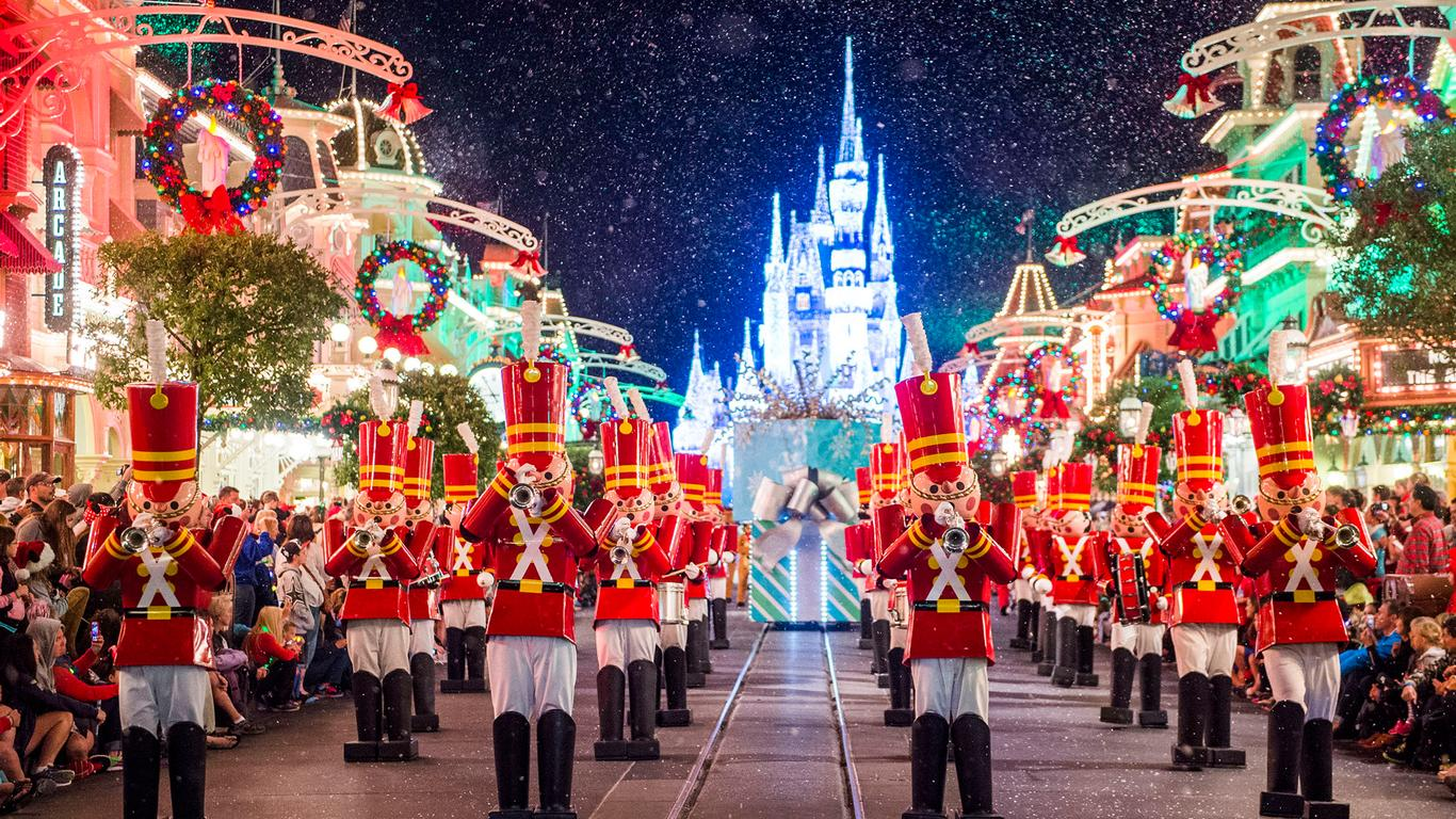 Disney World Increases Availability of 2019 Ultimate Christmas Packages