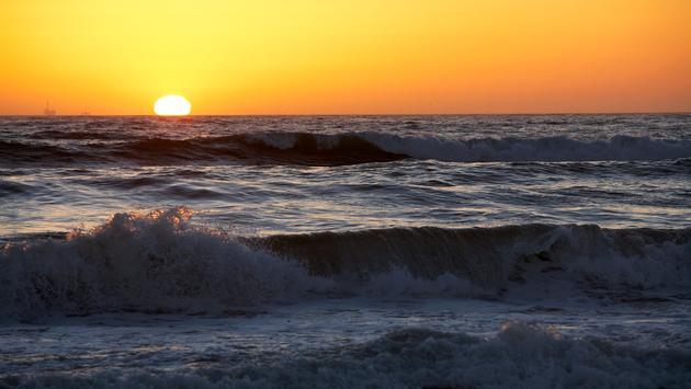 A coastal California sunset along the beach in Oxnard.