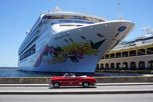 Norwegian Cruise Line Discontinues Open Bar Program on Two Ships