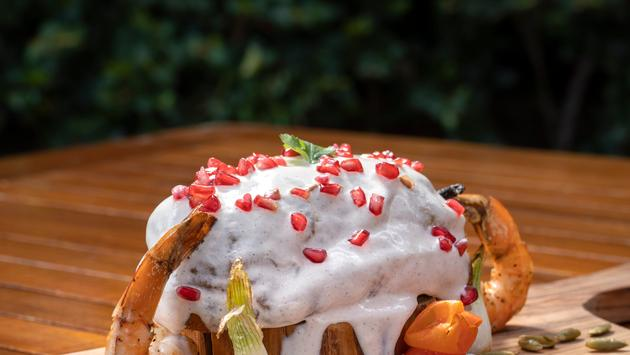Chile en nogada con camarones (photo: Solmar Hotels & Resorts)