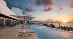 Third-floor infinity pool at Le Blanc Spa Resort Cancun.