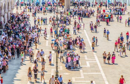 The crowd, St. Mark's Square in Venice