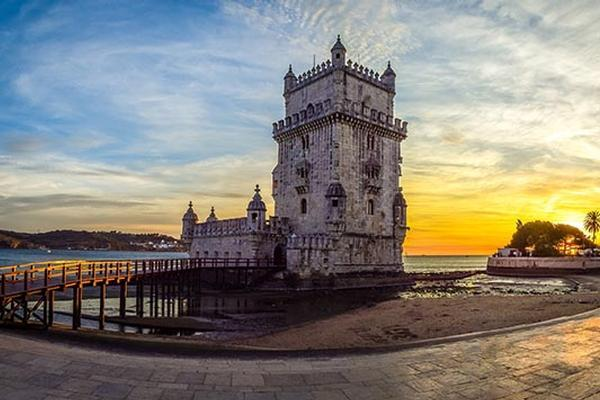 US Visitors Head to Portugal in Droves