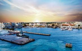 Late Afternoon in Aruba Port