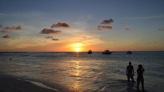 Sunset on the shore in Aruba