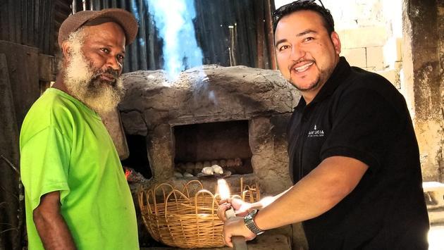 Nada como el pan recién hecho de Dennery Creole. FOTO: Martino Daniells