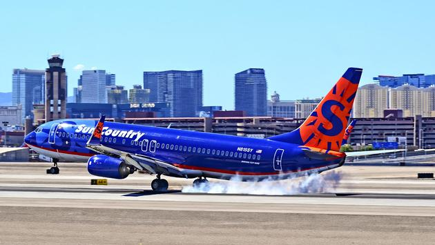 Sun Country Airlines Boeing 737 at McCarran International Airport