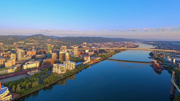 FOTO: Portland, Oregon en un día soleado de verano. (Foto de Chris Anson / iStock / Getty Images Plus)