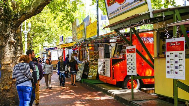 Fast food vendors in Downtown Portland, Oregon