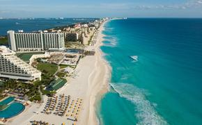 Aerial view of Cancun's Zona Hotelera