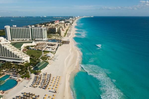Locals Still Banned From Cancun Beaches, Resort Guests Welcome