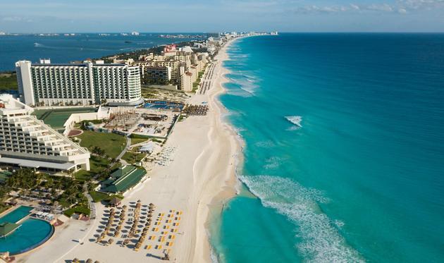 Aerial view of Cancun's Zona Hotelera