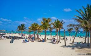 Spring break at a beach in Playa del Carmen, Mexico