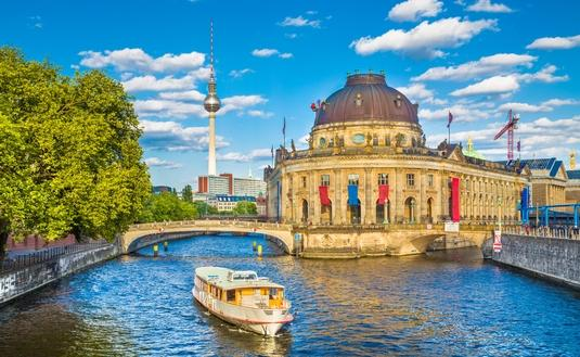 Spree river at sunset, Berlin, Germany