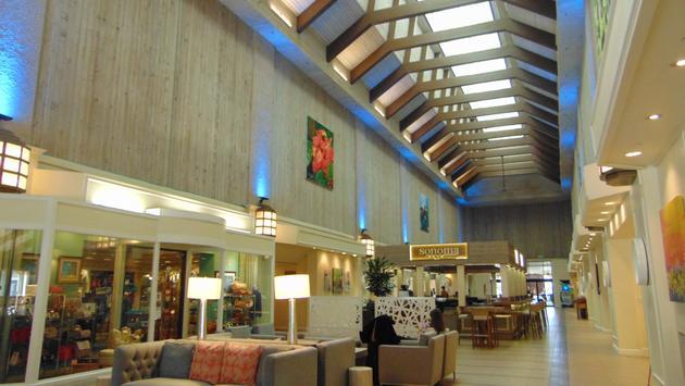 Lobby of DoubleTree by Hilton Hotel Orlando at SeaWorld