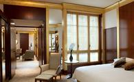 PHOTO: Park Hyatt Paris-Vendôme Suite (photo via Hyatt)