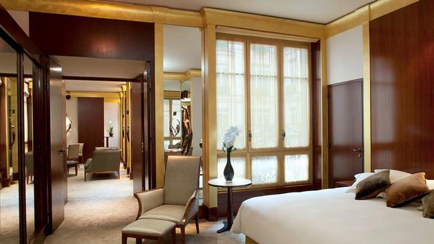 PHOTO: Park Hyatt Paris-Vendôme Suite (photo via Hyatt)