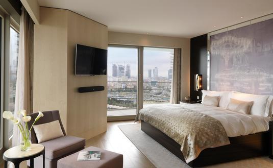 Raffles Istanbul suite bedroom