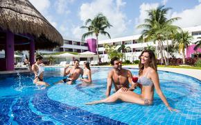 the quiet pool at Temptation Cancun Resort
