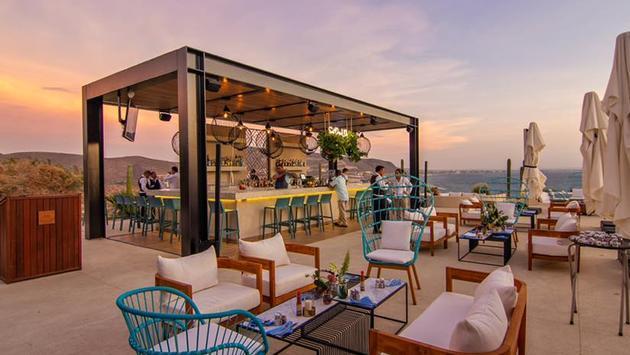 Puerta Cortes new sunset lounge