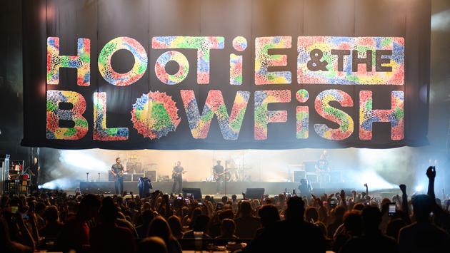 Hootie & The Blowfish Performing in Atlanta.